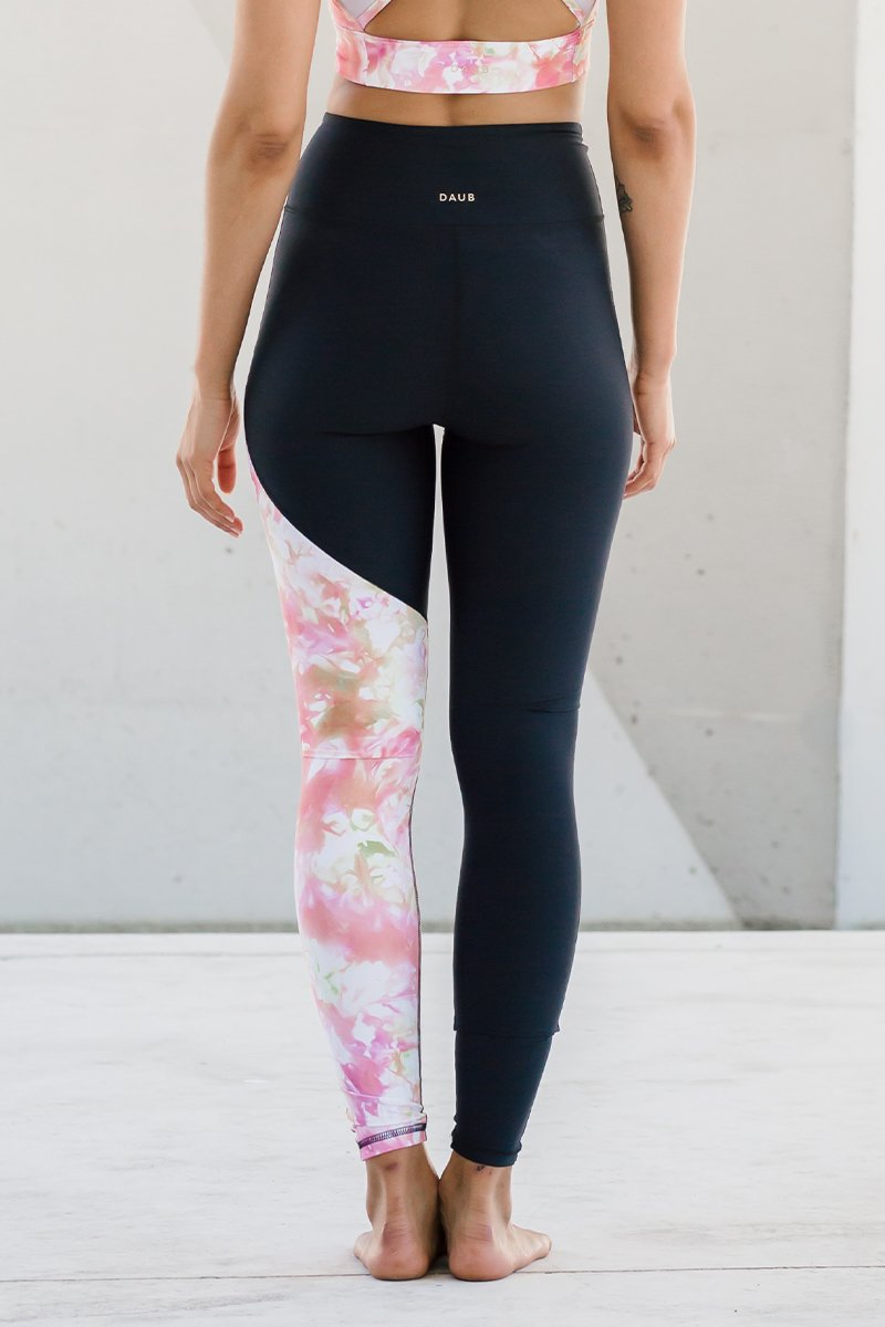 Daub & Design Signature legging Spectra Sweat Society Canada USA