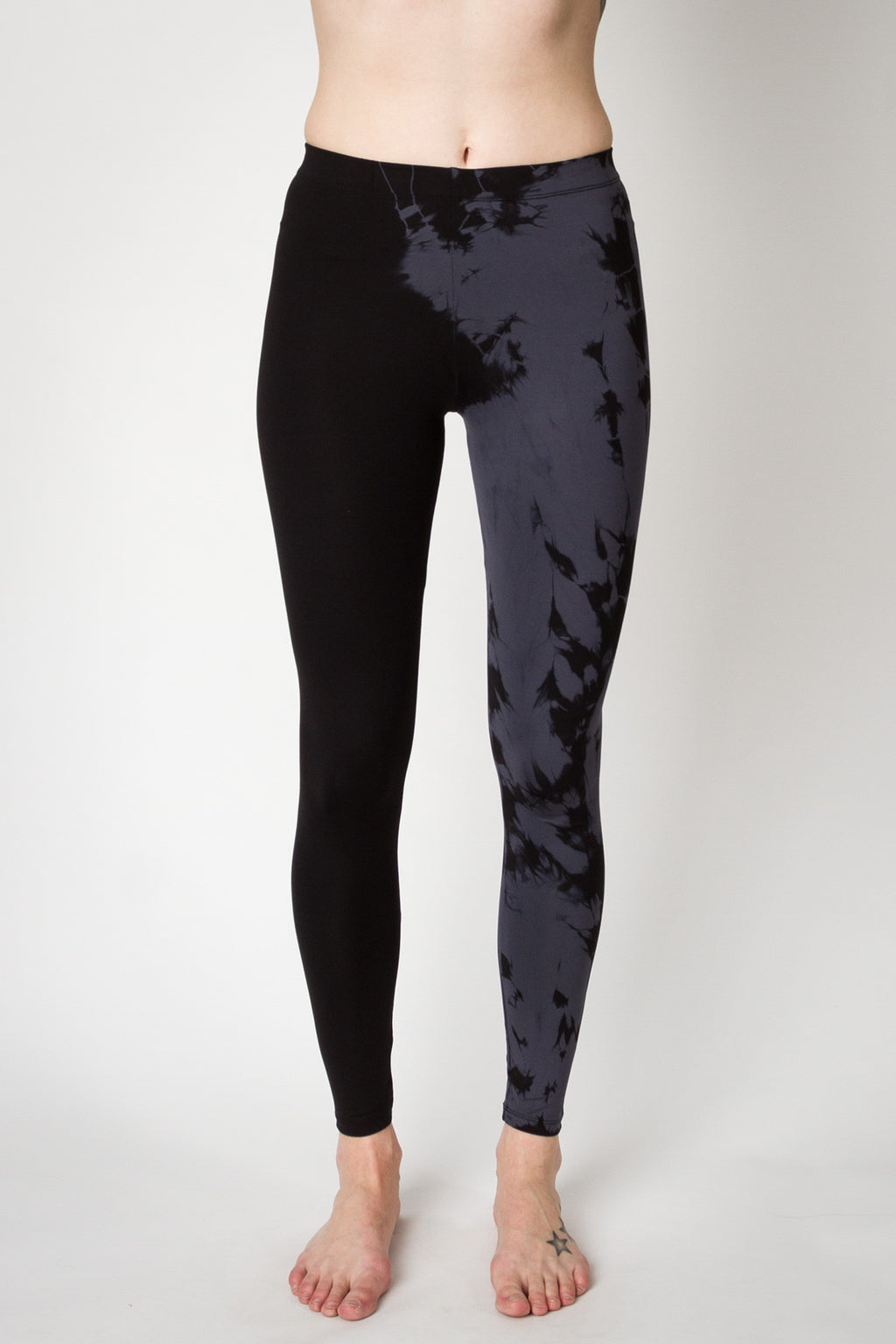 Daub + Design Adriana Legging Charcoal Sweat Society Canada US