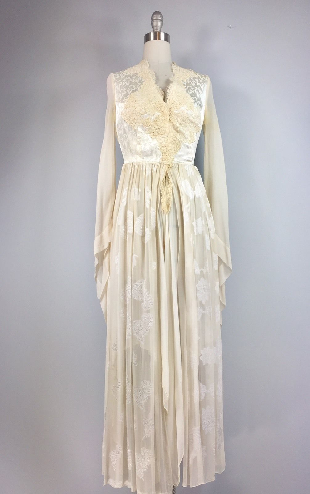 Janine's London 70s Dress Vintage 1970s off White wedding dress Stevie Nicks Hippie 33 bust