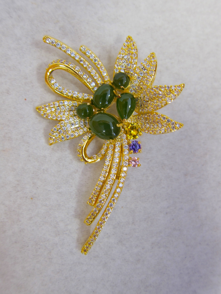 JADE FLOWER BOUQUET BROOCH PENDANT