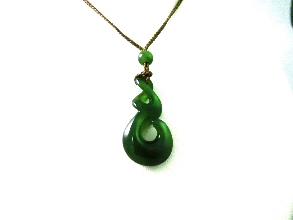 JADE TWIST ON CHAIN OR CORD