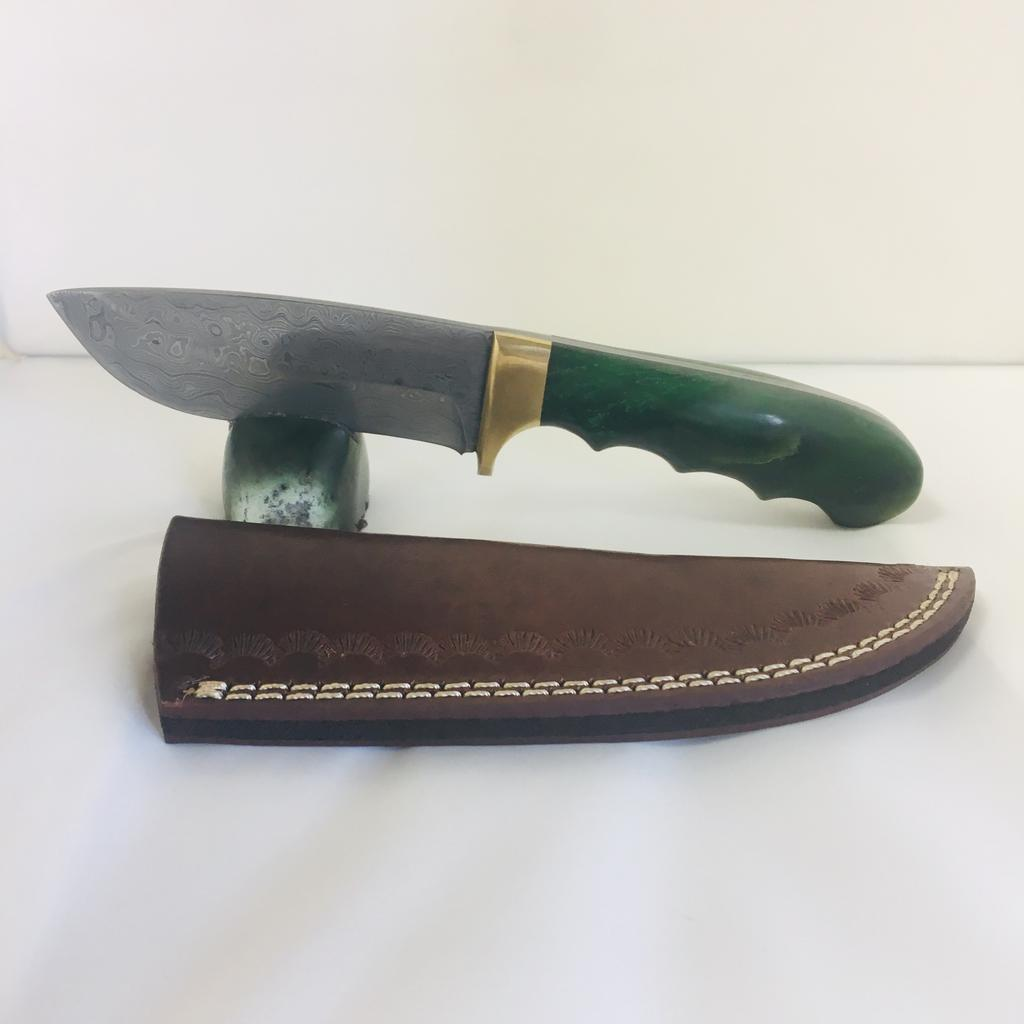 Raindrop damascus knife with jade handle, handle carved in Jade City