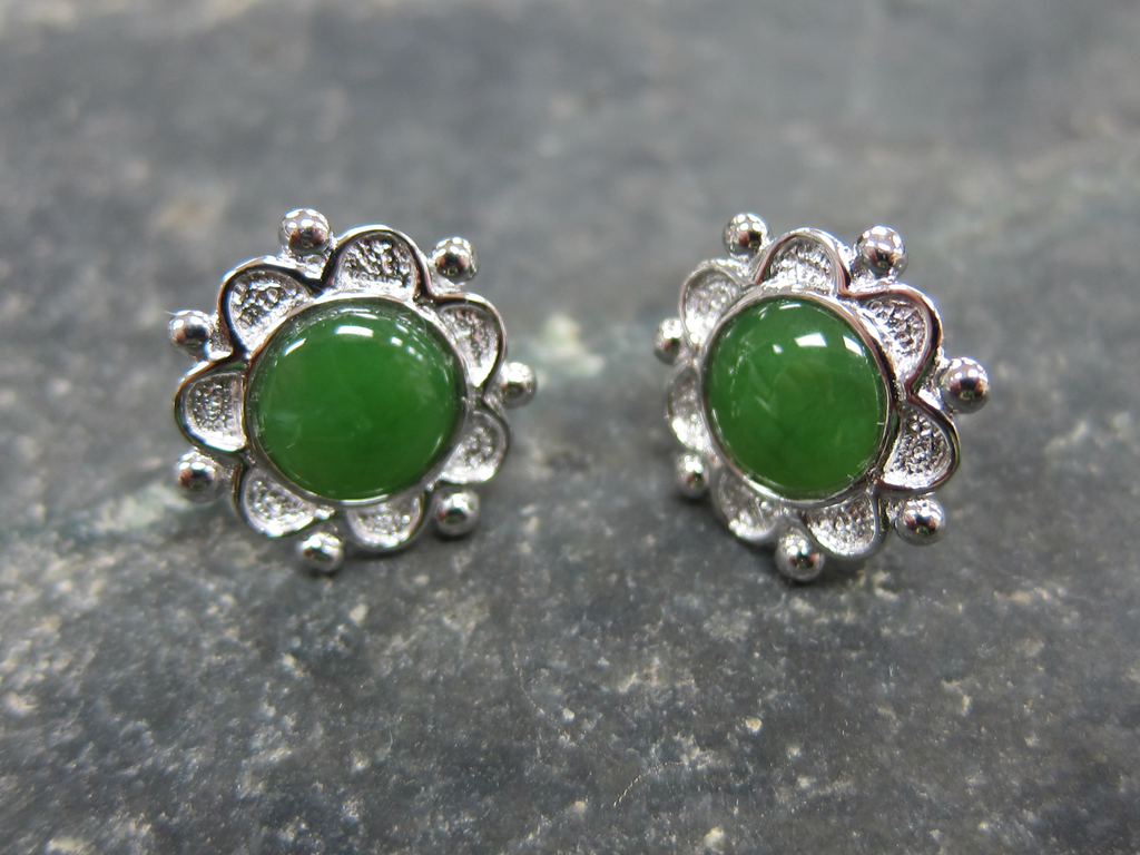 JEWELRY- JADE CENTER, FLOWER, STERLING SILVER, WHITE GOLD PLATED