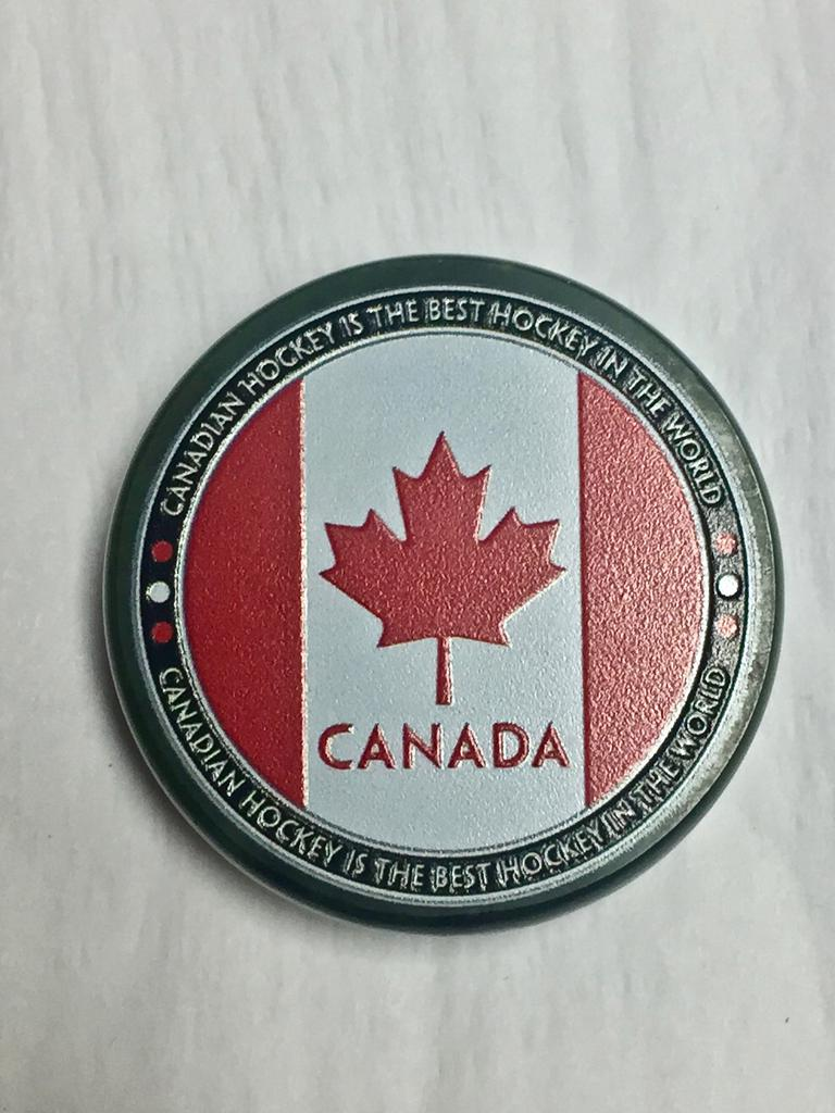 CANADIAN FLAG HOCKEY PUCK