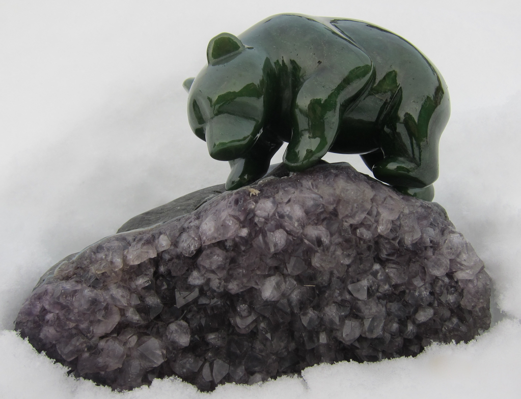JADE BEAR ON AMETHYST