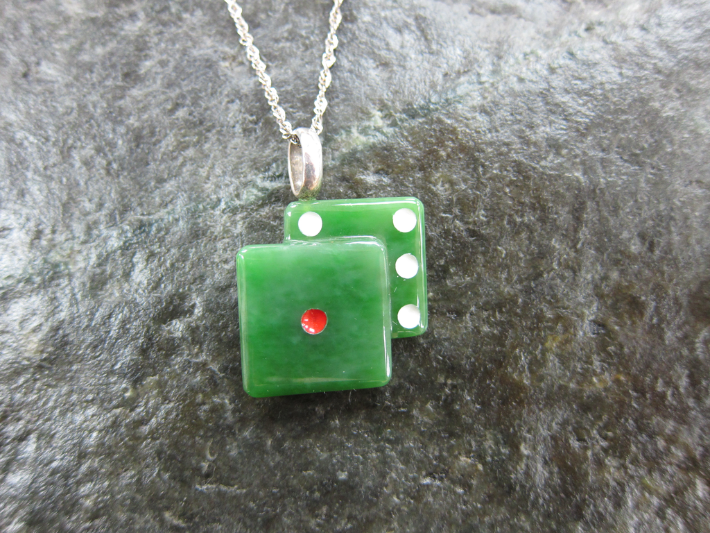 JEWELRY- JADE DICE PENDANT, 25 MM