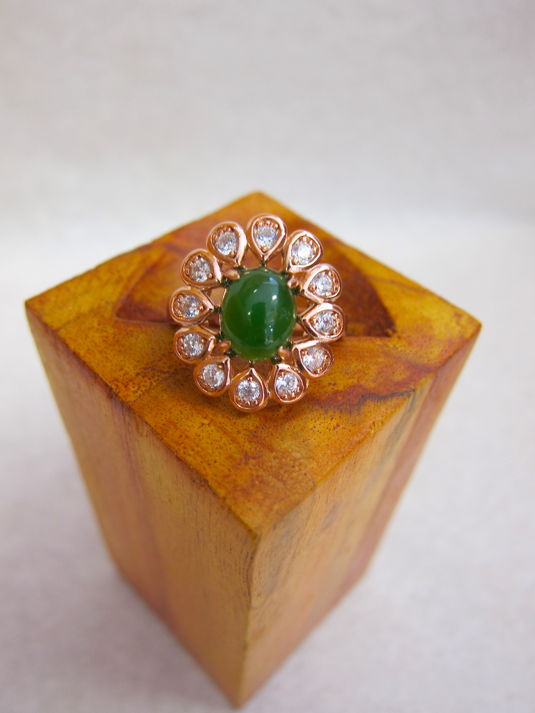 ROSE GOLD FLORAL JADE OVAL RING