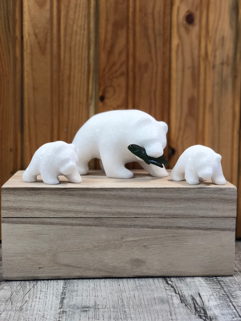 Star Marble Grizzly Bear Family with Jade Fish