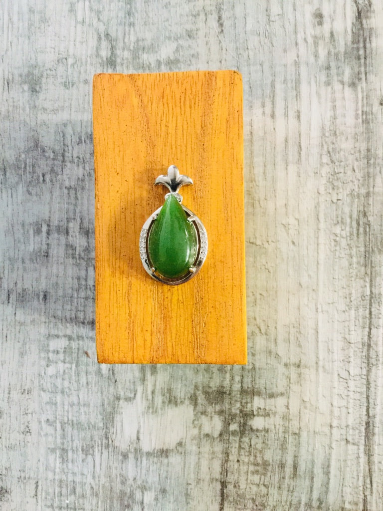 Jade Teardrop Set in Sterling Silver with a Pineapple Top