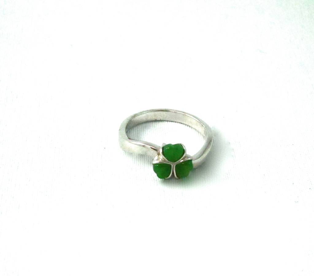 JADE CLOVER RING, SIZE 14