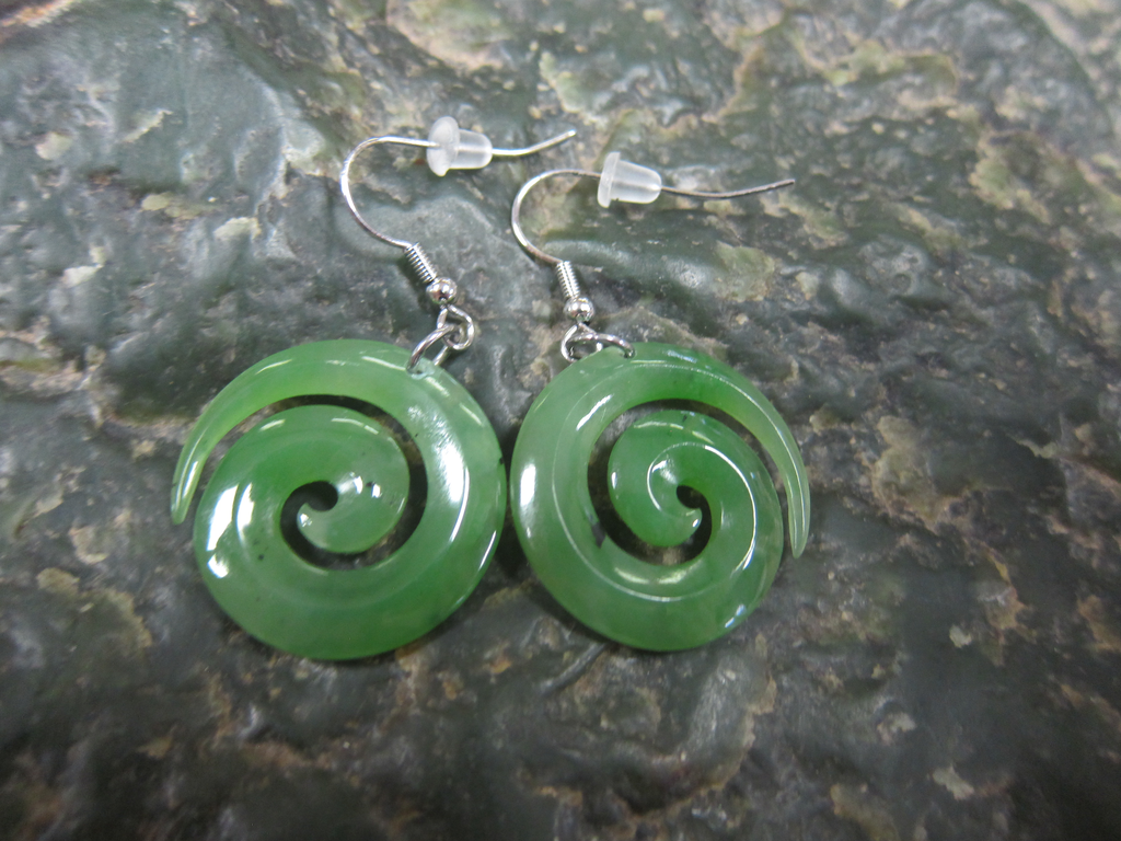 JEWELRY- JADE SWIRL EARRINGS, 1 INCH, HYPO ALLERGENIC BASE METAL HOOKS