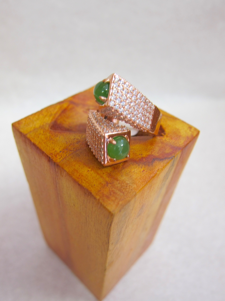 ROSE GOLD DOUBLE JADE CROSSOVER RING