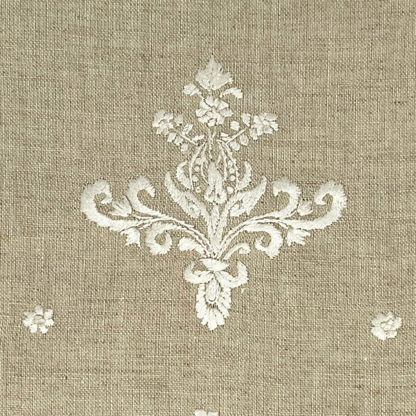 cotton linen embroidered guest towel detail