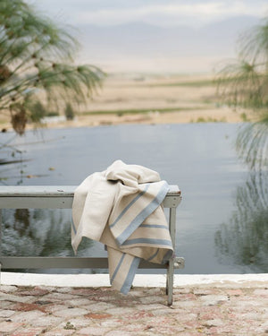 mungo huck bath towel - blue on natural