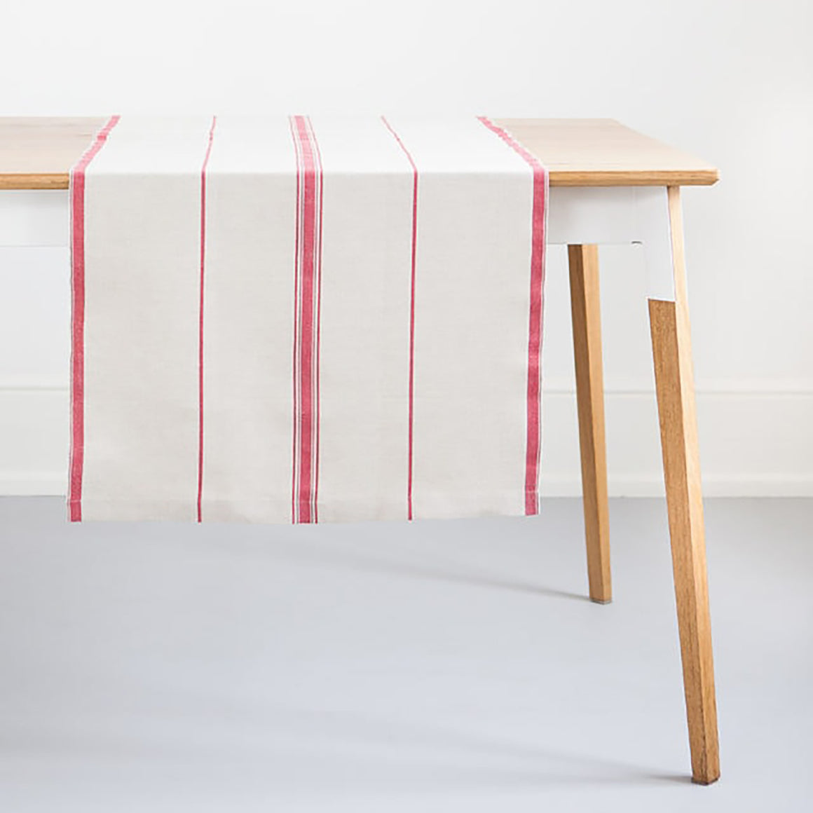mungo linen table runner - red
