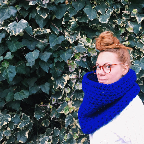 Electric Cobalt Blue Eyeball Grabber Cowl