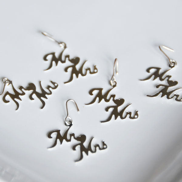 .Mr & Mrs Charms