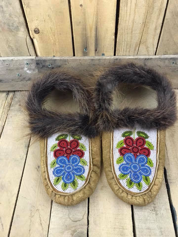 Moose Hide Beaver Fur Cuff Slipper with Beaded Flowers Red and Blue