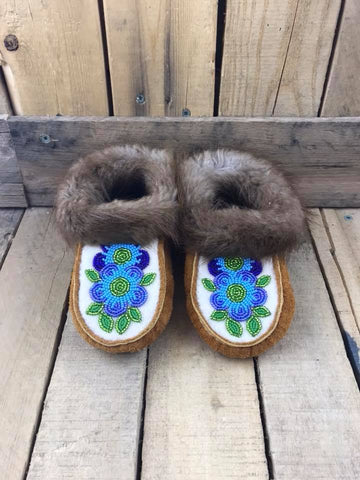Moose Hide Beaver Trim Slipper Blue/Navy/Green Flower