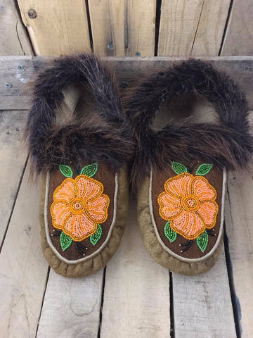 MooseHide Beaver Trim 5 Petal Orange Flower
