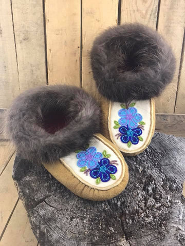 MooseHide Beaver Trim Slipper 2 Tone Beaded Light/Dark Blue