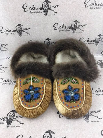 Moose Hide Slipper with Blue/Grey 5 Petal Flower with Beaver Fur