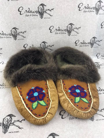 Moose Hide Slippers with Red/Blue Heart Flower with Beaver Fur