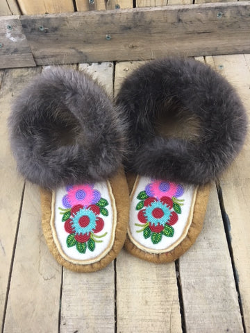 Moosehide Beaver Fur Slippers with 2 Flowers Red/Teal and Purple/Pink