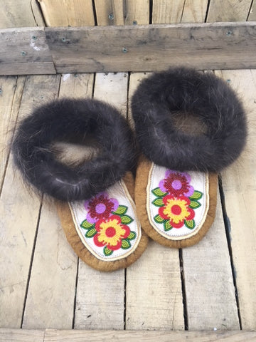 Moosehide Beaver Fur Slippers with 2 Flowers Red/Purple and Red/Yellow