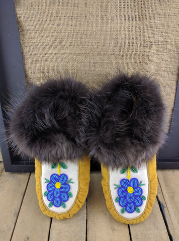 Factory Hide Lined Slipper with Blue Beaded Flower