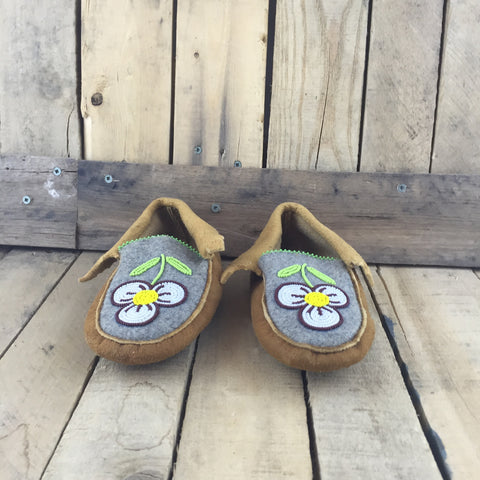 Beaded White/Brown Flowers on Hand Tanned Hide Slippers