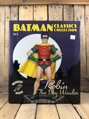 Batman Classic Collections: Robin the Boy Wonder 6th Scale Collectible Figure