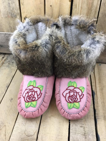Factory Hide Lined Rabbit Fur Trim 3/4 Moccasin with Pink Stroud and Flower