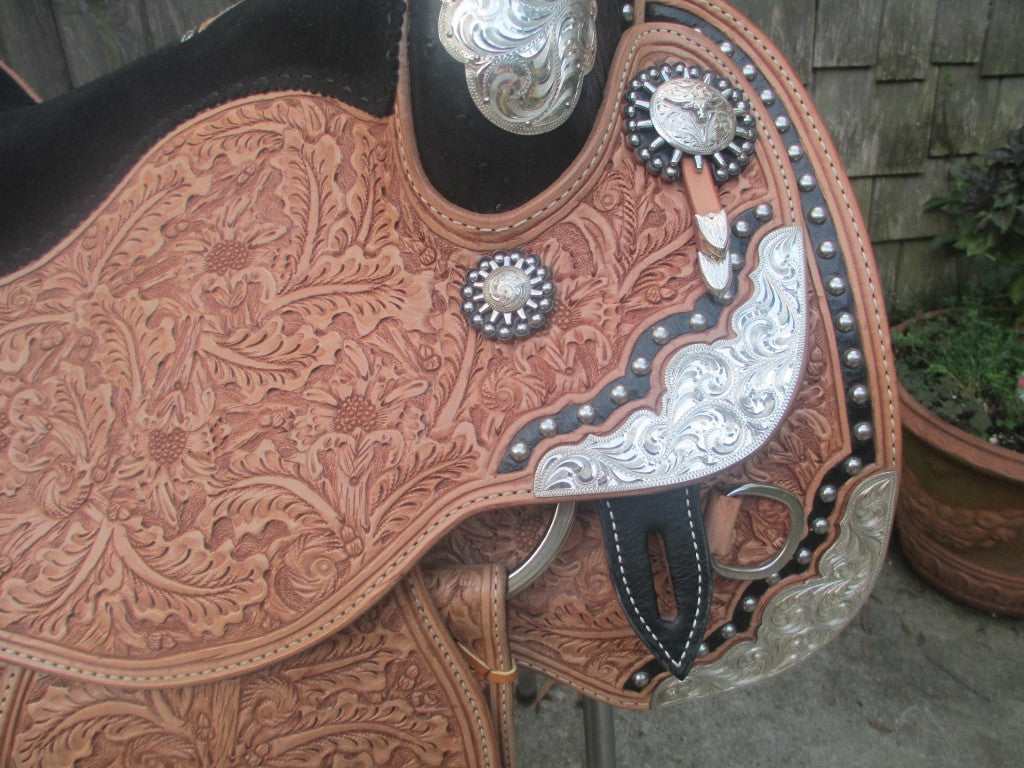 Harris Show Saddle With Silver Horn LIKE NEW - Fine Western Saddles