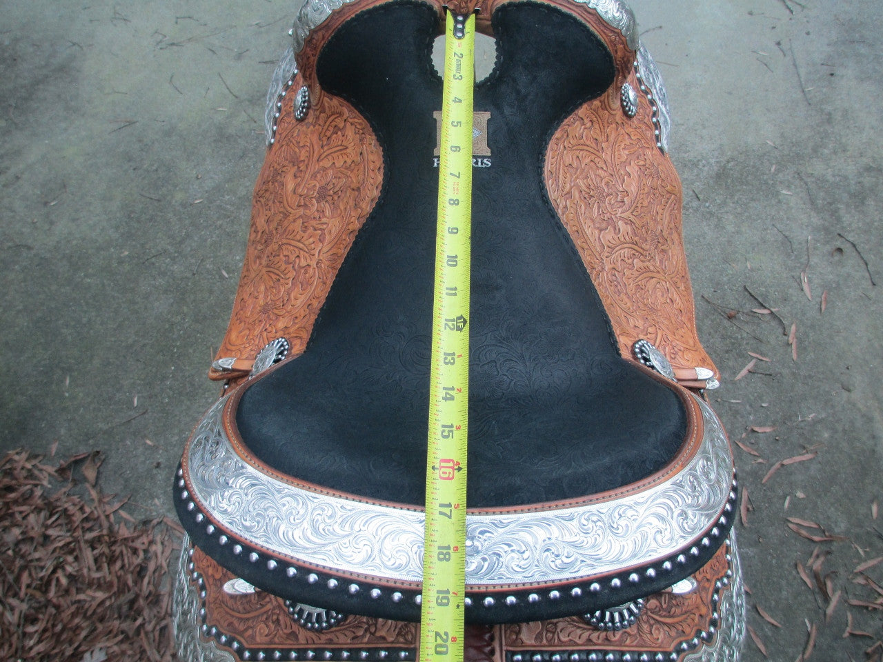 Harris Show Saddle With Silver Horn - Fine Western Saddles