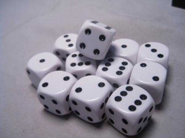Chessex Dice Sets: White/Black Opaque 16mm d6 (12)