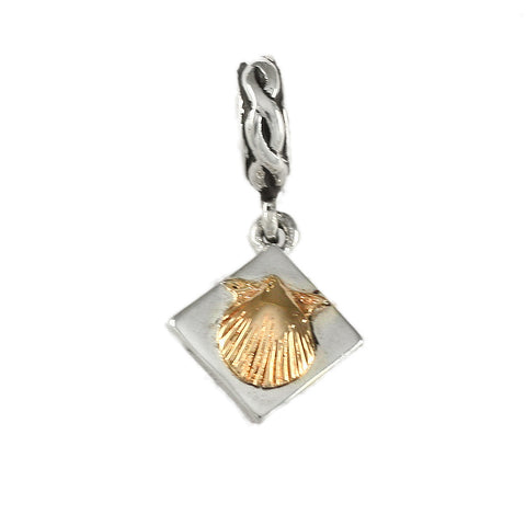 14kt Scallop Shell Dangle - Lone Palm Jewelry