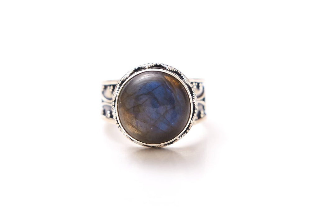 Stree Ring - Round Labradorite