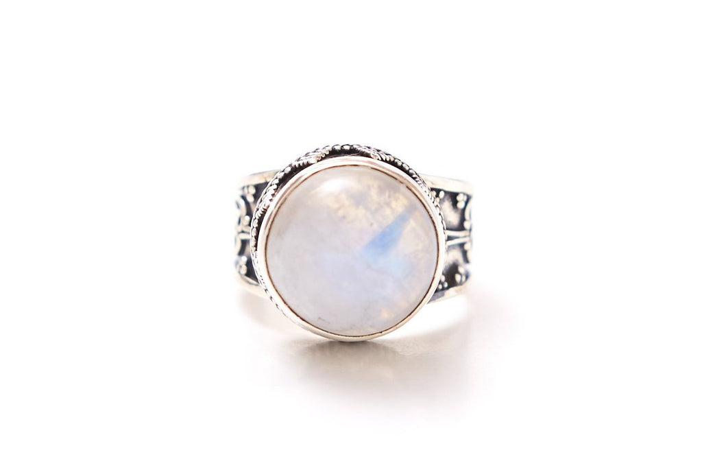 Stree Ring - Round Rainbow Moonstone
