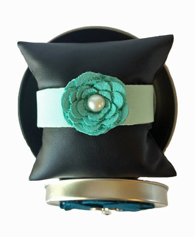 Cathy Single flower cuff