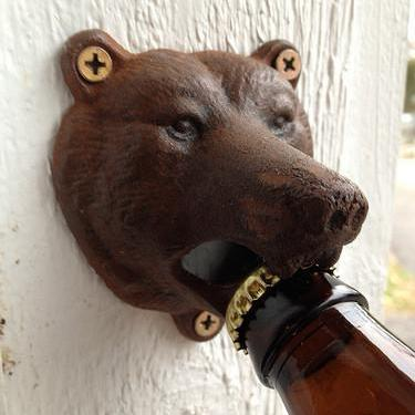 Bear head vintage bottle opener - Six Things - 2