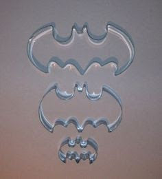 Batman symbol cookie cutter - Six Things - 3