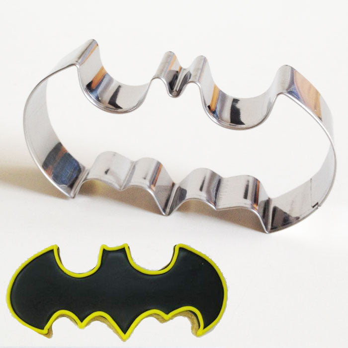 Batman symbol cookie cutter - Six Things - 4