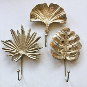 Gold palm leaf metal wall hook