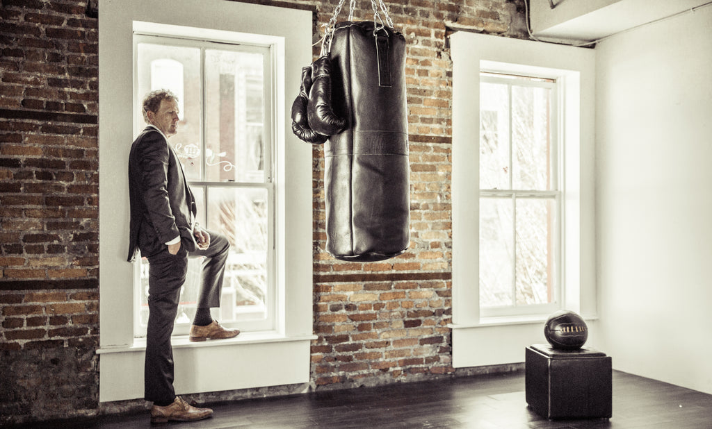 Luxury Black Leather Boxing Suite Gym Studio Punching Bag