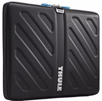"THULE Gauntlet case for 15"" MacBook Pro - GadgitechStore.com Lebanon - 1"