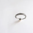 Pearl Facet Ring (Dark Silver) - Chainless Brain