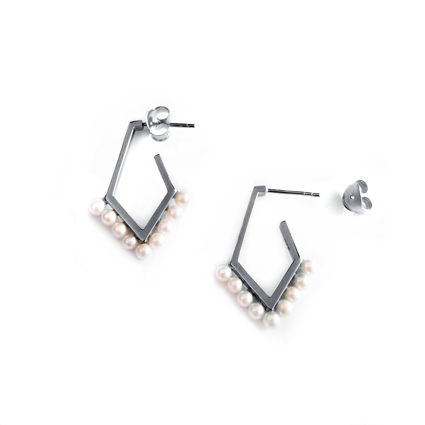Pearls Earrings - Chainless Brain