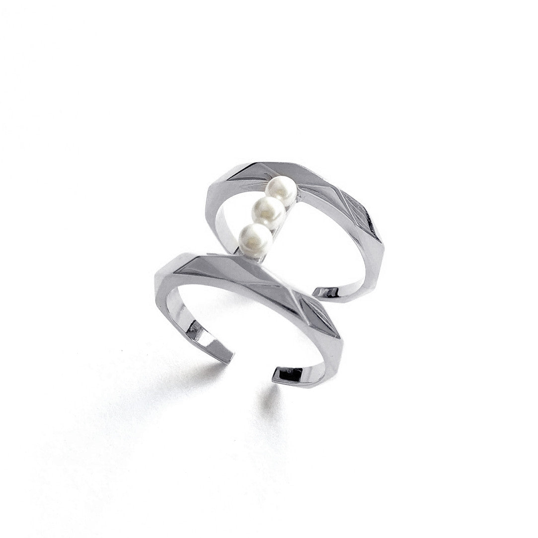 Pearls Bar Ring - Chainless Brain