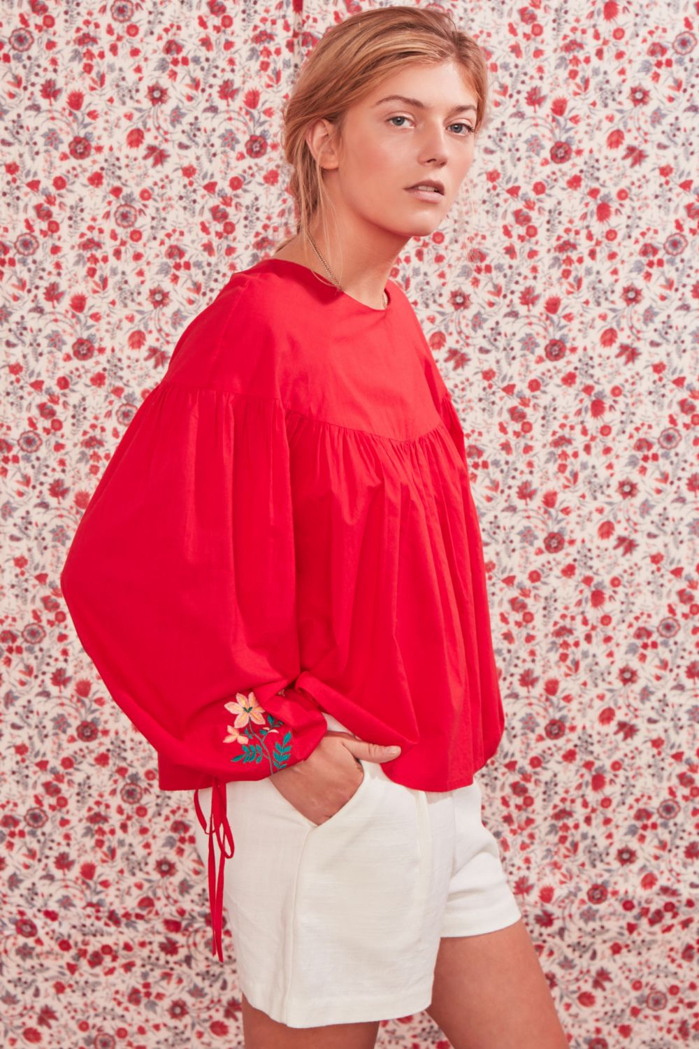 LATAI FLORAL EMBROIDERED BLOUSE RED